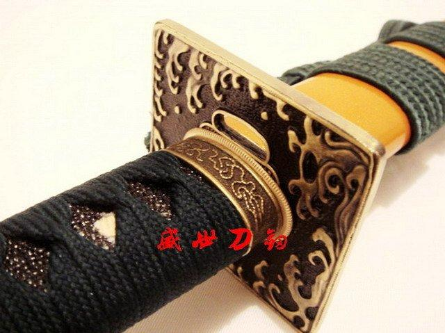 Clay Tempered T-10 Steel Battle Ready Blade Japan Katana Wave Tsuba Yellow Sword